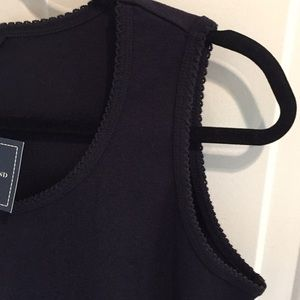 Lands' End Tops - NWT Lands' End True Navy Scalloped Trim Tank Top